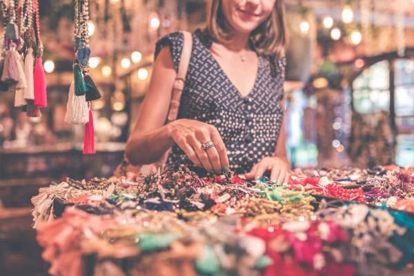 tourist women shopping