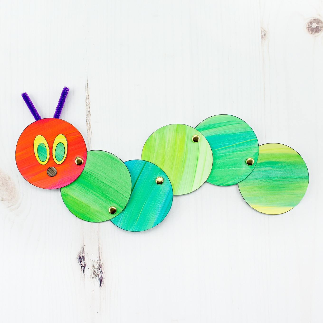 Simple paper craft for preschoolers How To Make An Easy And Fun Wiggling Caterpillar Craft
