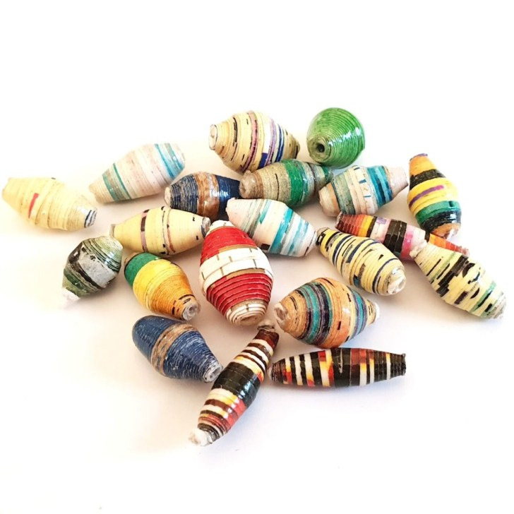 Tutorial on creating paper beads craft