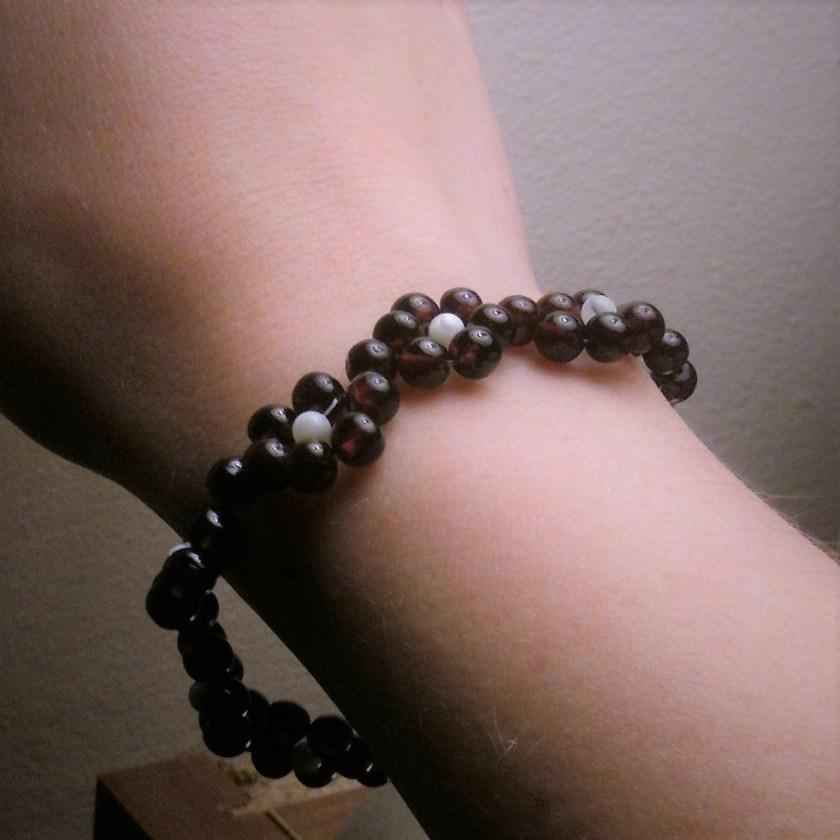 Handmade beaded flower bracelet - jewels and sparkle