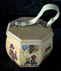 Decoupage Purse on Crafting with Sylvestermouse