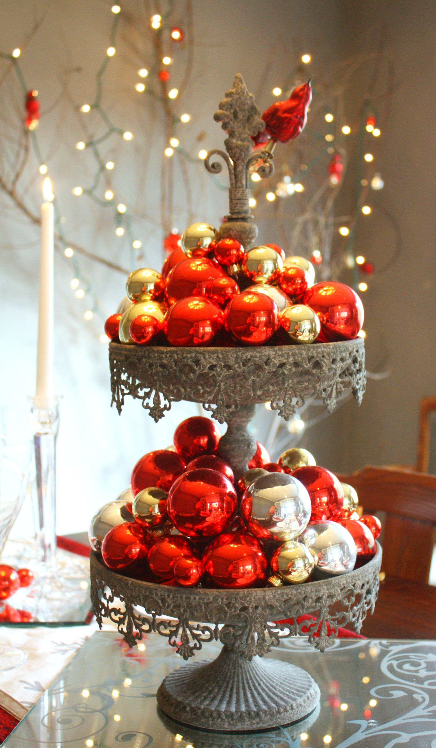 Red & Silver Christmas Table Setting • The Reaganskopp Homestead