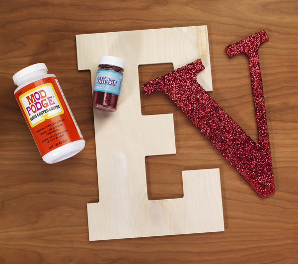 love on edge diy monogram-glitter letter compoonents