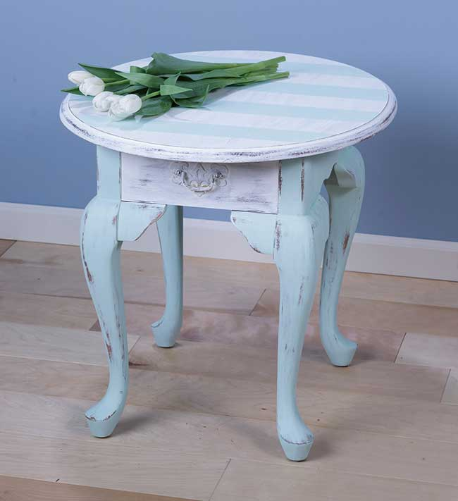 Americana Decor's Chalky Paint Table Makeover