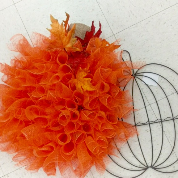 Wire Wall Pumpkins - Halloween Tulle