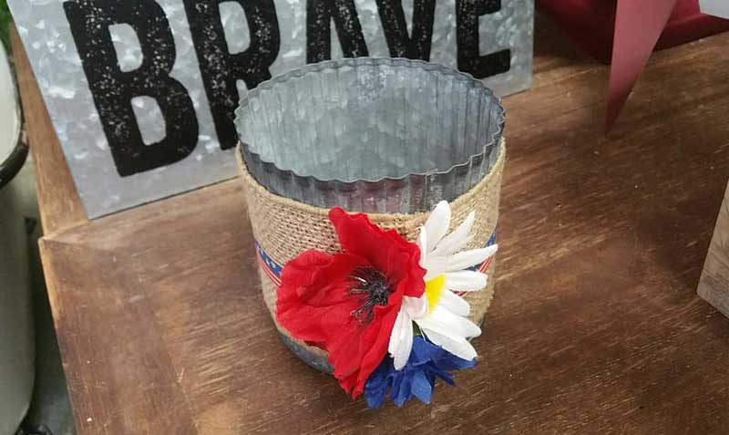 Patriotic Tin Vase @ Medford Location | Medford | Oregon | United States