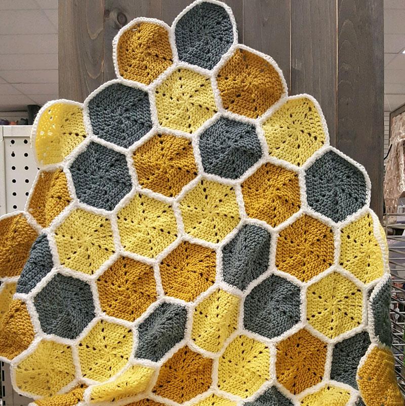 Crochet this Honeycomb Baby Blanket