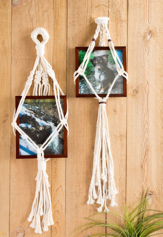 Macrame a Photo Frame Holder