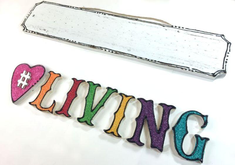 living-plaque9