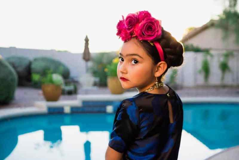 frida-dress-up5