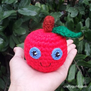 free apple amigurumi pattern