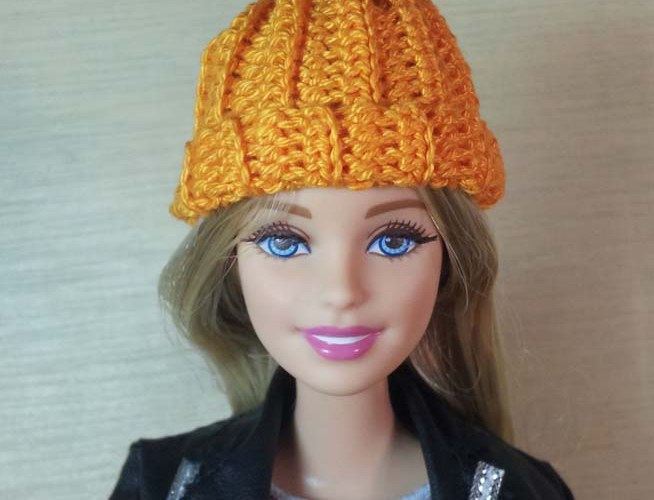 How to Crochet a Pumpkin Hat for Barbie