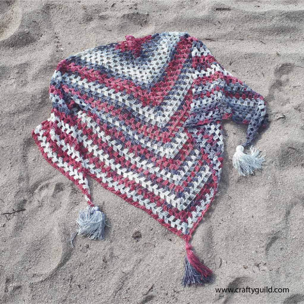 simple crochet scarf by crafty guild
