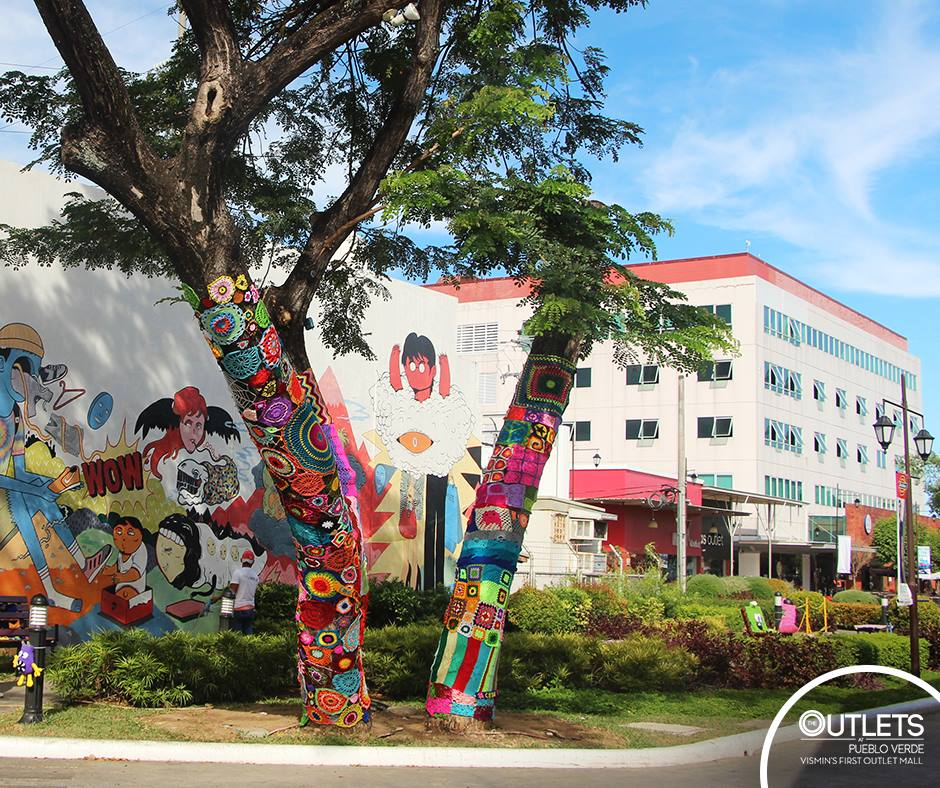 Ganchillo Artistico for Art in The Fork, The Outlets at Pueblo Verde, Lapu-lapu City: 1st Yarnbomb / Crochet Installation in Cebu?!?