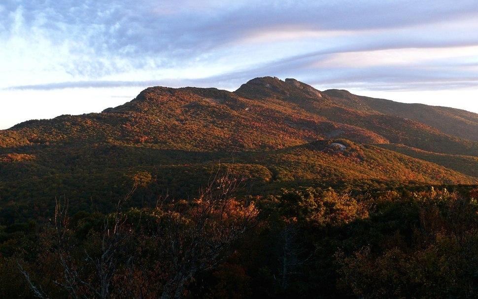 1200px-Grandfather_Mountain-27527-1.jpg