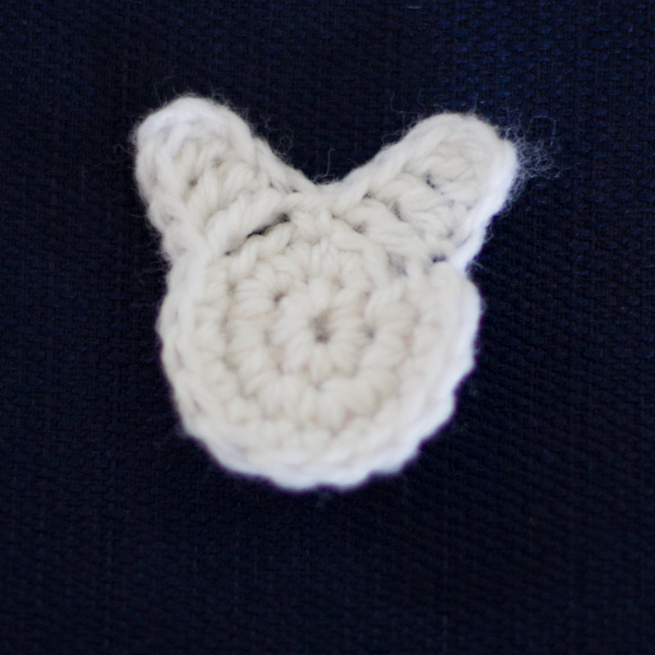 Easter bunny crochet applique - free pattern