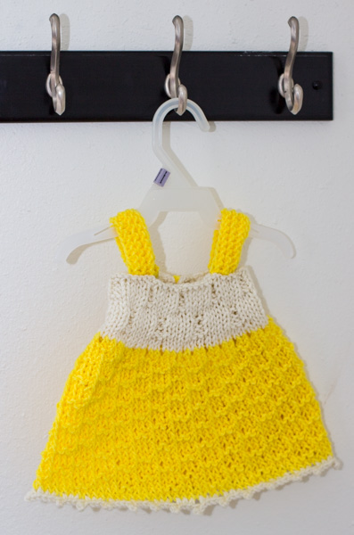 Baby dress - Free knitting pattern