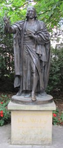 john-wesley-statue-st-pauls-churchyard