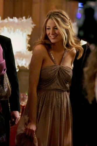 Serena (Blake Lively) at prom