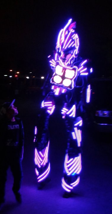 LED robots from Light Up the Night add a colorful vibe to art walk in the MASS district in Fort Lauderdale. Craigslegz.com