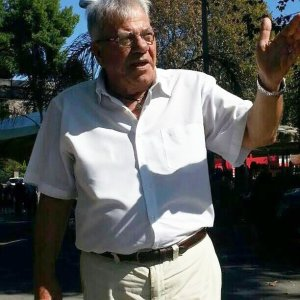 Driver Domenico Pignieri is a legendary figure in the Naples, Italy, area for his singing of popular Italian songs.