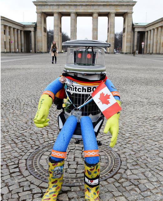 The Canadian social robot HitchBOT when he set off in Massachusetts on what was to be a cross-country journey to San Francisco. HitchBOT@Twitter.com