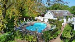 The Queen Anne Inn offser comfortable accomodations in Chatham. (Craig Davis/Craigslegz.com)