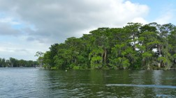 The boat tour covers three of the five lakes in the Winter Park chain. (Craig Davis/Craigslegztravels.com)