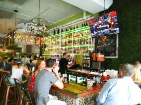 The emphasis is on green at the Avocado Grill in West Palm Beach. (Craig Davis/craigslegztravels.com)