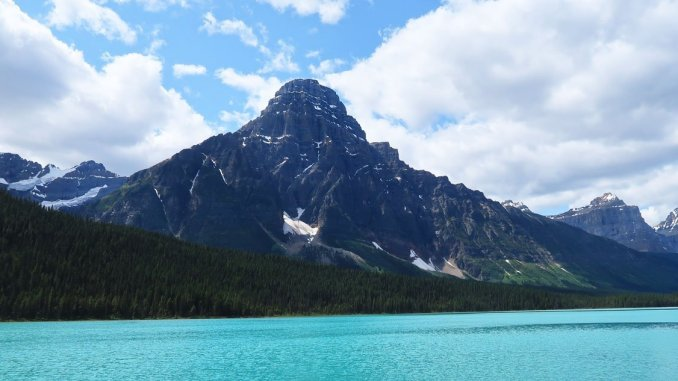 Bow Lake is one of the most picturesque stops on the Icefields Parkway. (Craig Davis/craigslegztravels.com)