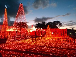 The Christmas lights show is an annual free exhibit at the Plantation (Fla.) Baptist Church. (Craig Davis/Craigslegztravels.com)