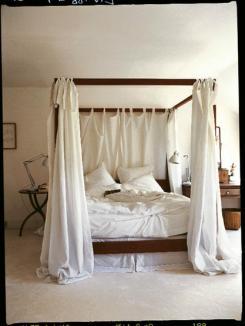 Drömsäng med moskitonät