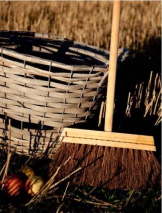 Handgjorda borstar och kvastar från Iris Hantverk