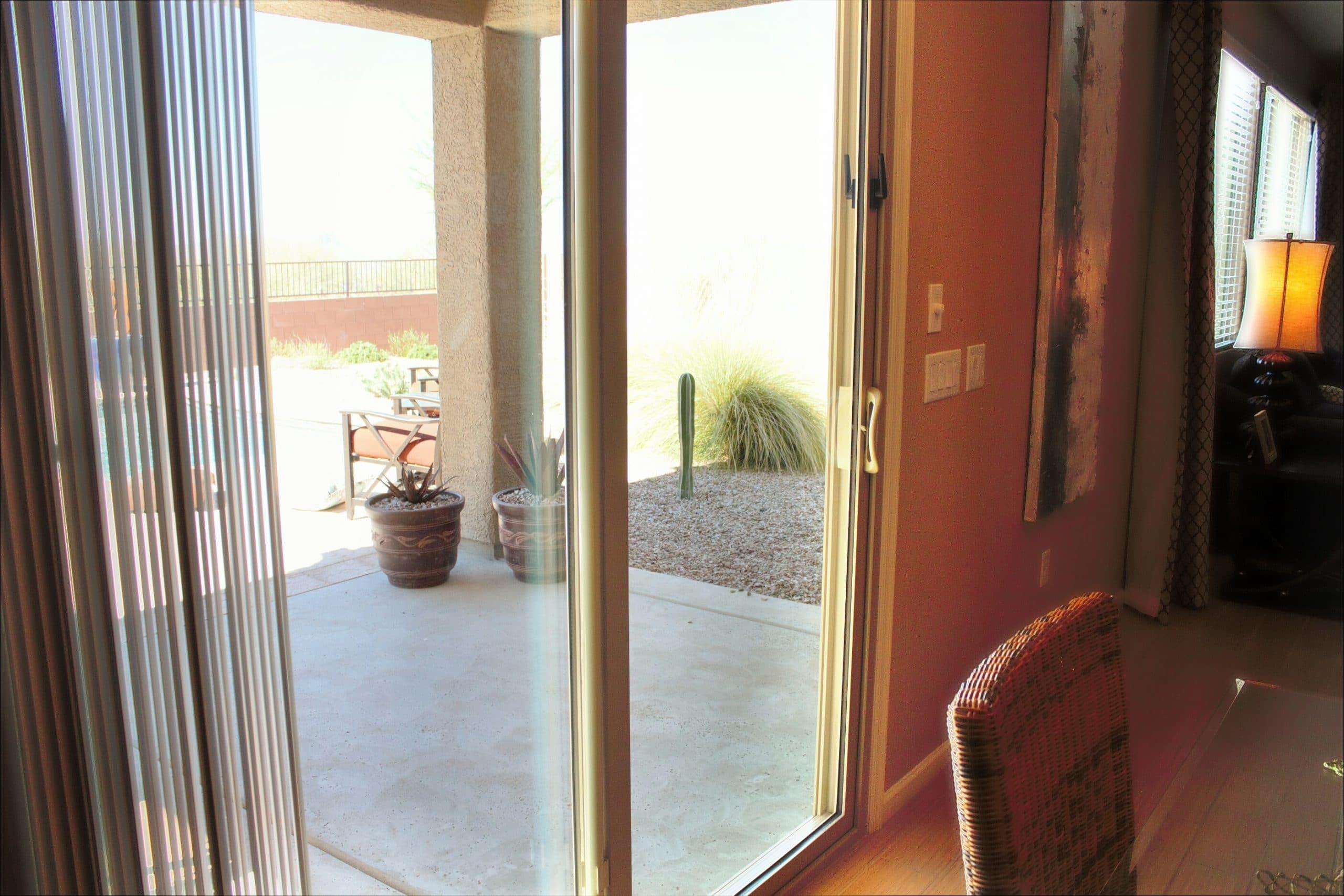 retractable screen doors crandell