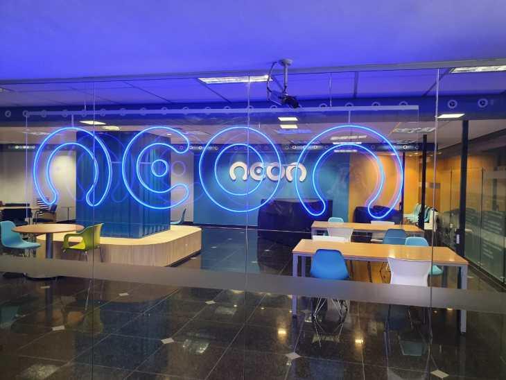 Neon tem 300 vagas abertas em áreas como ciência de dados, tecnologia e marketing