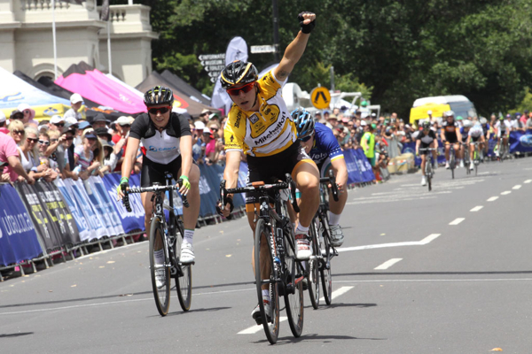 Wiggle Honda Pro Cycling's Giorgia Bronzini, first non-Aussie winner of the women's Bay Crit series