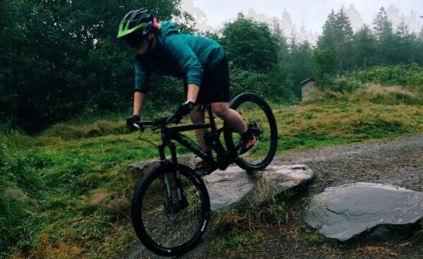 Enduro MTB mountainbike review helmet enduro women