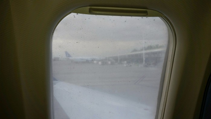 Dirty Mesa Window CRJ-900