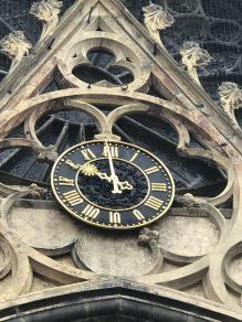 L'horloge de l'église de Rouffach - les balades ludiques en Alsace