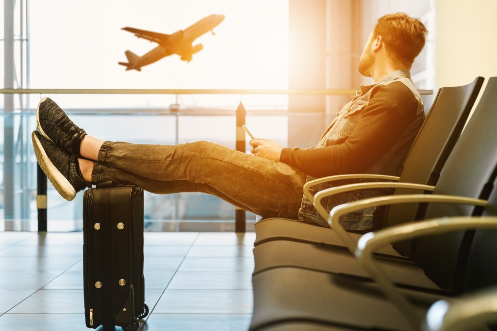 Travel to your significant other to prevent common long distance relationship problems