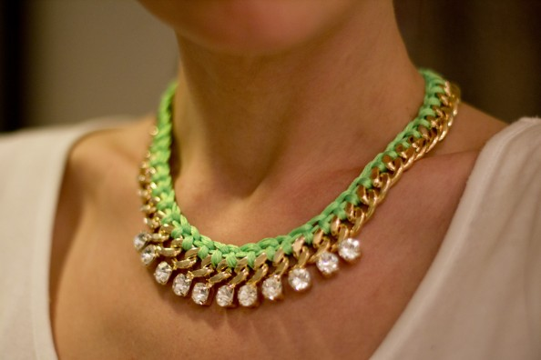 diy neon rope necklace diy woven gold chain necklace fashion blog sydney 594x396 DIY Woven Neon and Gold Chain necklace