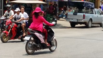 Back to Siem Reap, following the Motorcycle Girl...