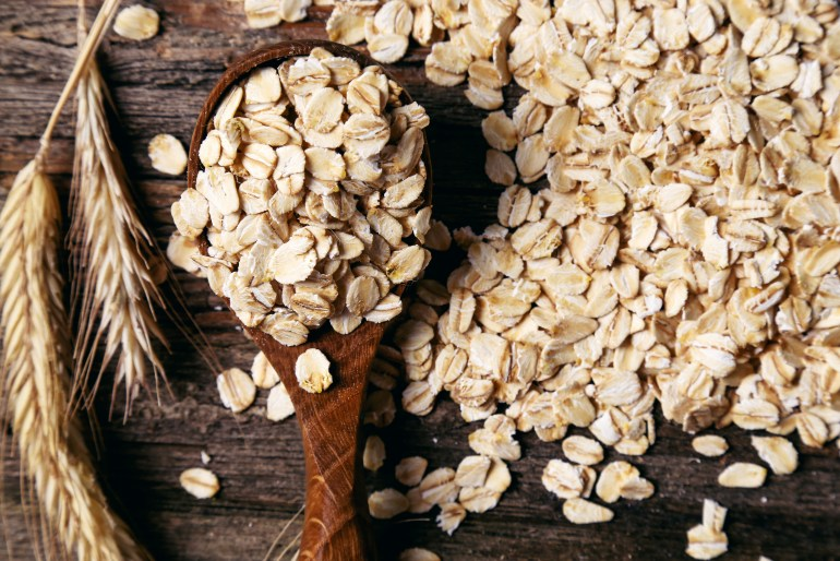 10 foods that can substitute as cleaning supplies oatmeal