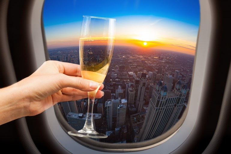 10 simple cocktails you can make on your next flight