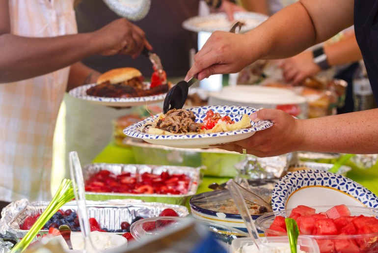foods to avoid serving at cookouts
