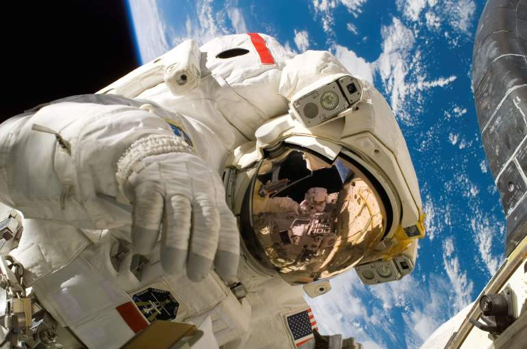 7 Foods astronauts aren't allowed to eat in space