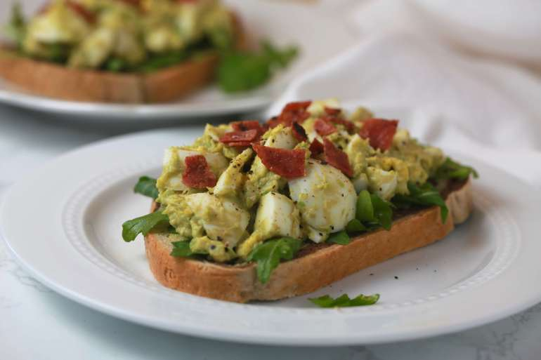 Healthy avocado egg salad_2