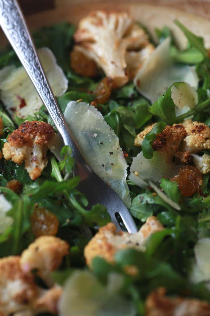 Spicy cauliflower, arugula salad2