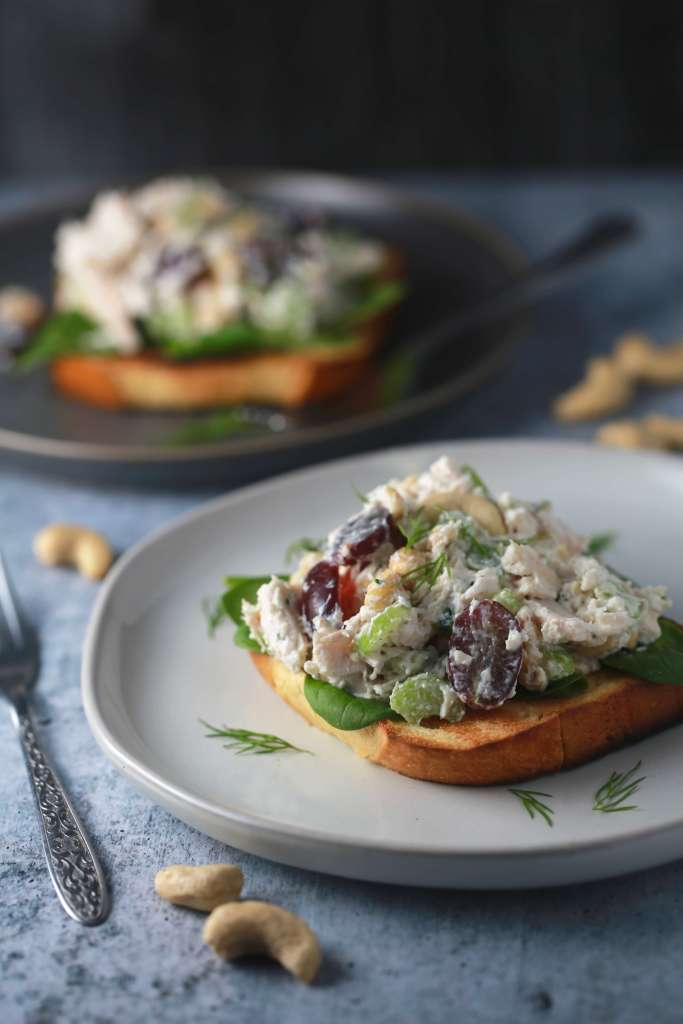 The best chicken salad with grapes and cashews_3