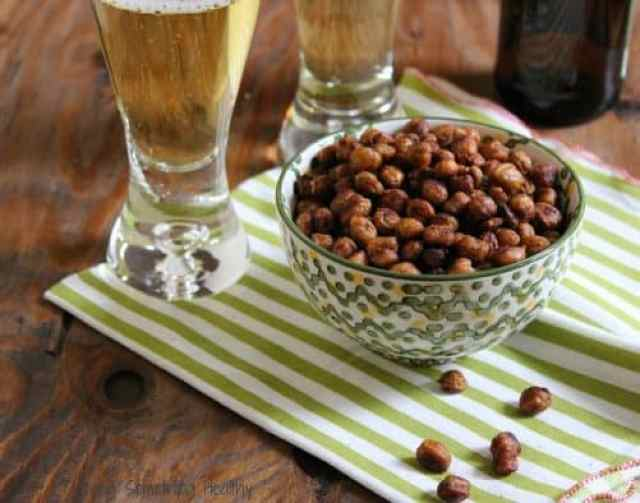 Southwest Spicy Roasted Chickpeas|Craving Something Healthy
